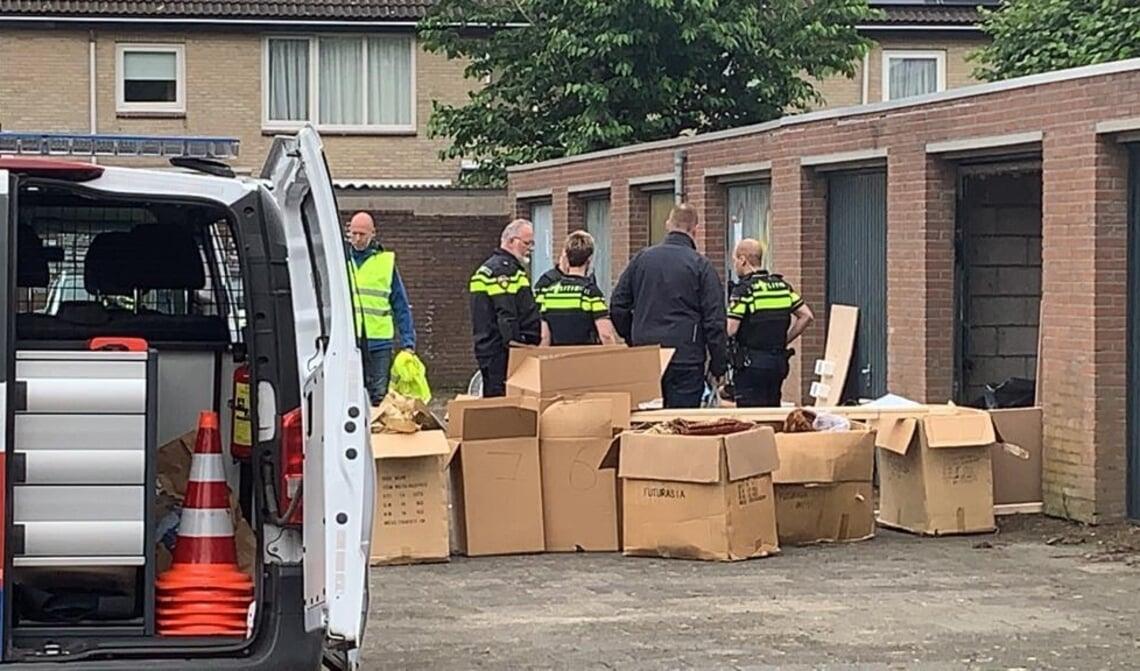 <p>verdachte spullen in garagebox gevonden</p>