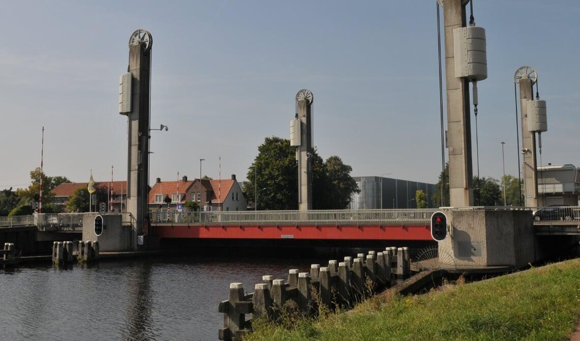 <p>De hefbrug gaat vrijdagmiddag 24 september weer open voor al het verkeer</p>