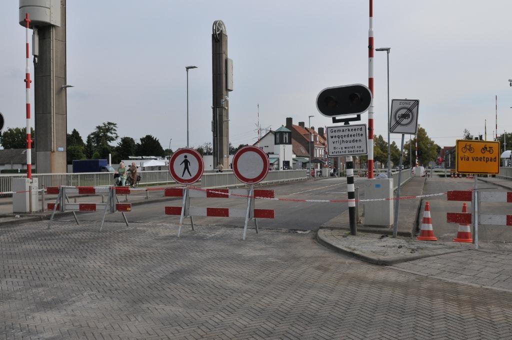Geen gemotoriseerd verkeer in een gedeelte van de Nieuwstraat en Kanaalstraat Foto: MooiSonenBreugel                     © DeMooiSonenBreugelKrant