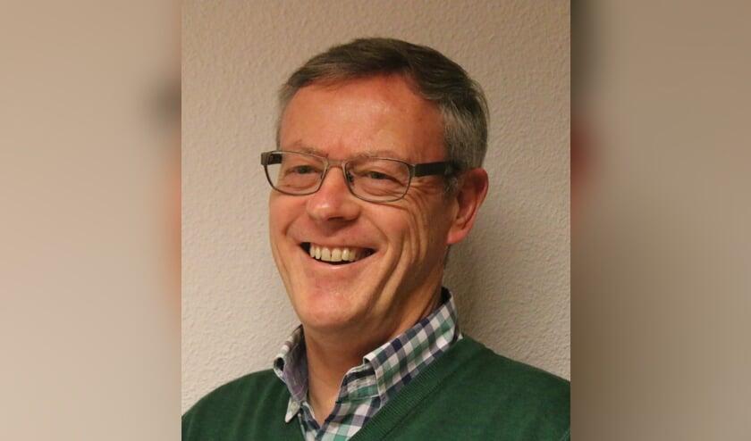 ONS raadslid Glenn Zeelt is op zoek naar mensen die mee willen denken over het beleid rondom schuldhulpverlening. Foto: ONS Voorschoten