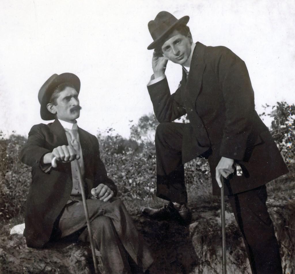 Betovergrootvader (l) en opa van den Boogaardt  Foto: pr    © VSK