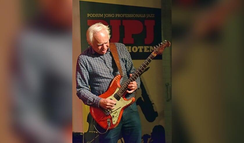 Topgitarist Eef Albers treedt op 9 november op in het Cultureel Centrum. Foto: PJPJ