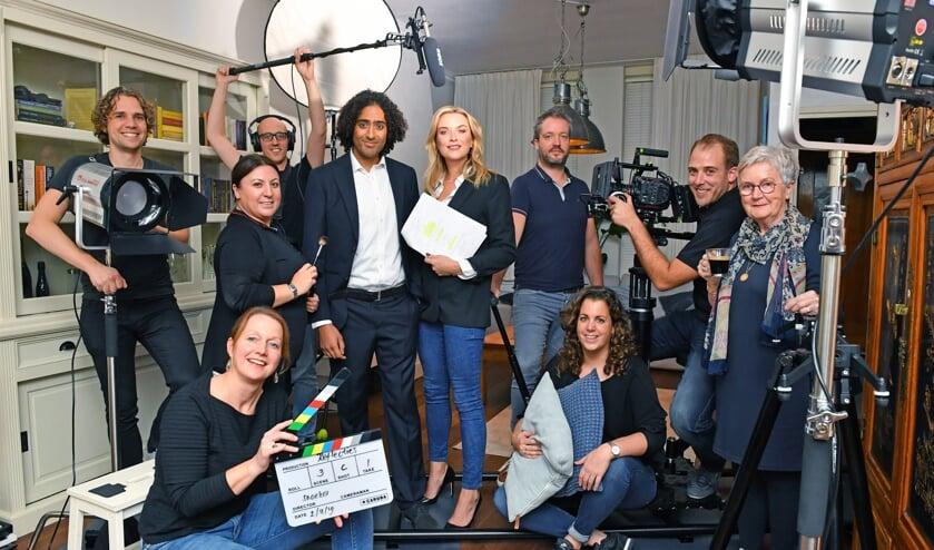 De complete cast en crew van 'Reflecties' met Vincent Snoeker tweede van rechts. Foto: René Zoetemelk