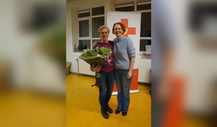 Joke van Brecht (l) en Tirza van der Meijden. Foto: EHBO Voorschoten