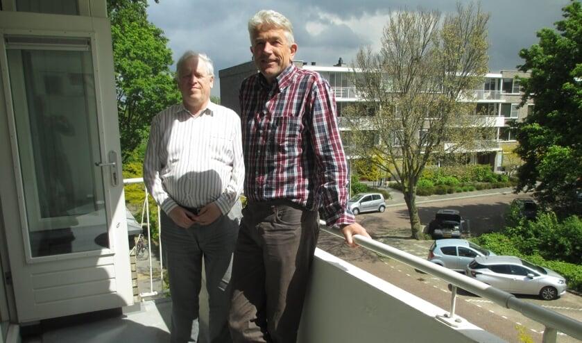 GroenLinks sprak met voorzitter Frans van Selm (rechts op de foto) en secretaris Jan Koster (links) over Zon op Voorschoten. Foto: GroenLinks