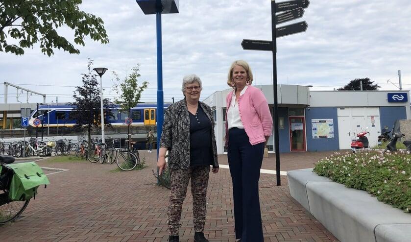 Wethouder Monique Lamers (links) en Wethouder Caroline Klaver (rechts). Foto: gemeente Voorschoten