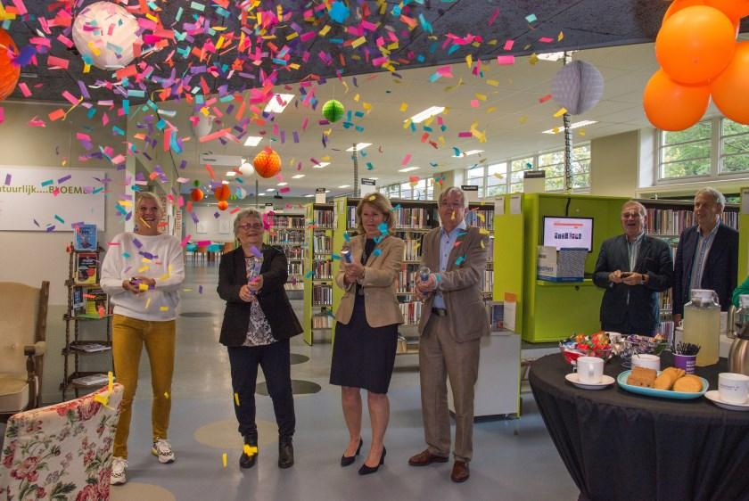 De feestweek van de jarige bibliotheek is officieel geopend. Foto's: Nelleke de Vries