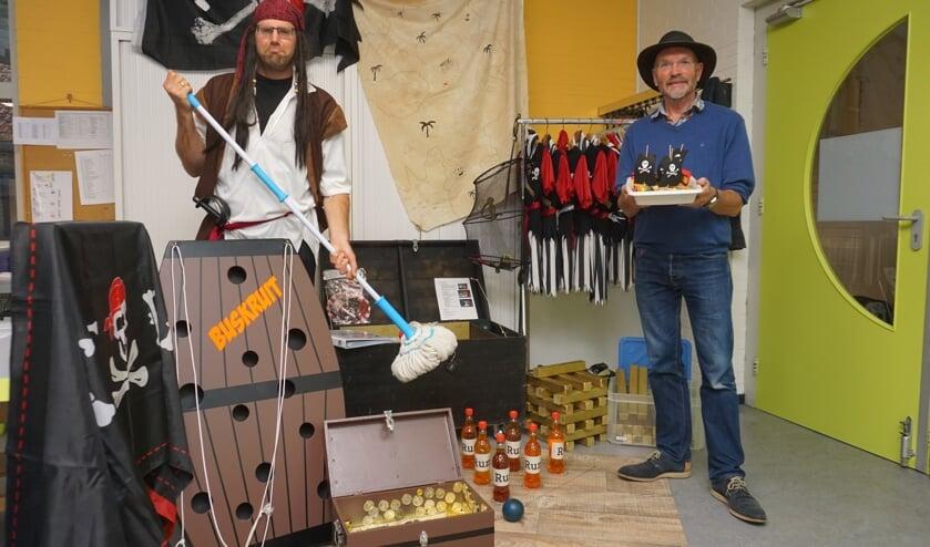 <p>Verjaardag vieren als een echte piraat? Hoe dat moet laten piraat Henry en Harm Klifman zien Bij Tante Leen. </p>
