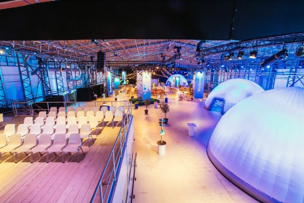Voor bol.com werde tafelsessies tot originele bijeenkomsten in domes mogelijk gemaakt.  © VSK