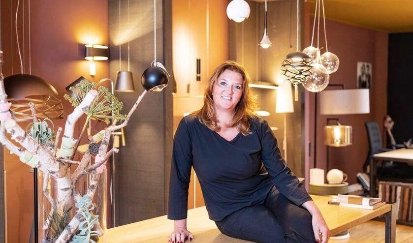 Sandy Monker is van woensdag t/m vrijdag van 10.00 tot 17.00 uur aanwezig in haar winkel op de Treubstraat 14 in Voorschoten, op de andere dagen werkt zij op afspraak. Foto: Michel Wettstein Fotografie