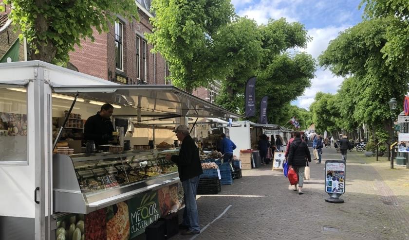 De markt is vrijdag nog gewoon in de Voorstraat. Foto: VSK