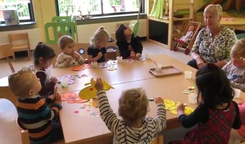 Ook de peuters mochten weer heerlijk naar school. Stichting Kinderspeelzaal Voorschoten is tevreden. Foto: St. Kinderspeelzaal Voorschoten