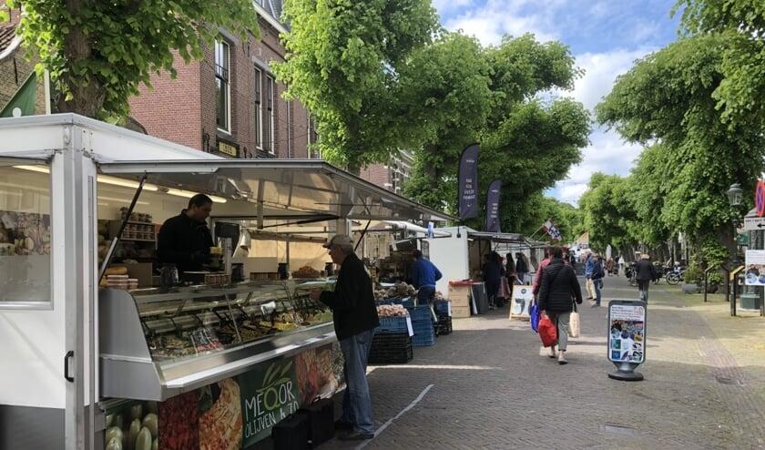 De markt op de Voorstraat verhuist tijdelijk naar het Churchillplein en het Treubplein. Foto: VSK
