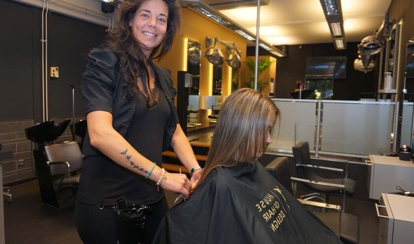 House of Hair Design van Nanda Olsthoorn en haar team draait weer op volle toeren. Foto: VSK