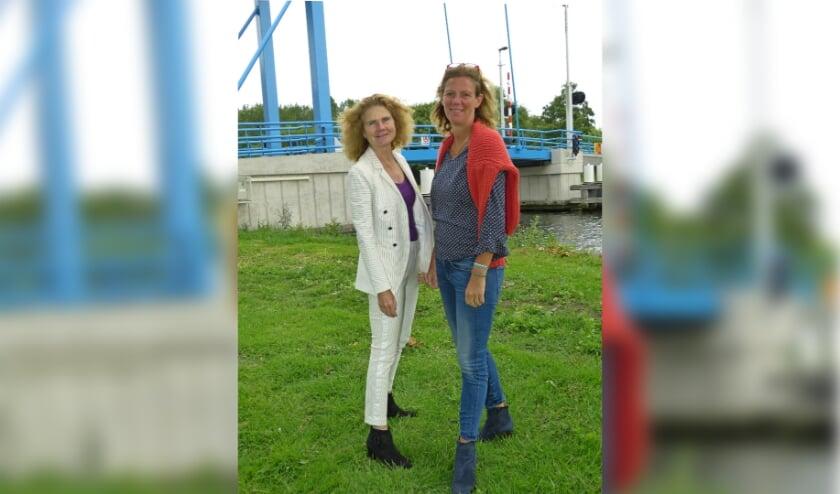 <p>VLS fractievoorzitter Marleen Persoon en raadslid Esm&eacute;e van Herk</p>