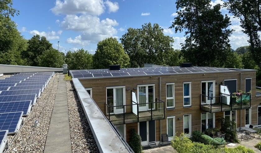 Het dak van Villa Voorschoten ligt vol zonnepanelen. Foto: Villa Voorschot