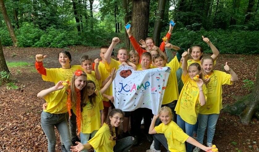 Geen groep 8 afscheidskamp dit jaar maar 120 kinderen van de PCSV scholen mochten toch naar het minikamp op Beresteijn. Foto's: Stichting Buiten Spelen