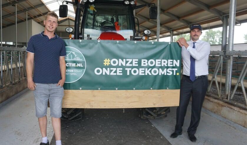 <p>Peter van Vliet en de overige boeren kregen vanmorgen steun van Thierry Baudet.&nbsp;</p>