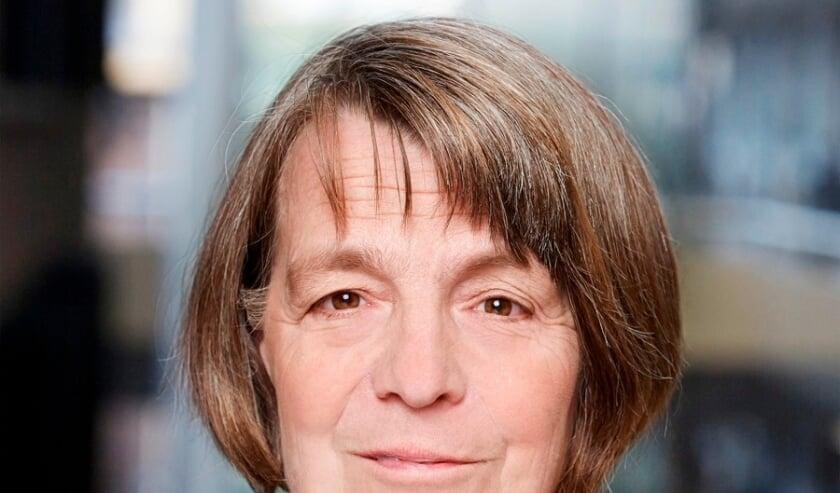 <p>Helma Nepp&eacute;rus geeft haar visie op de politiek en de Voorschotense samenleving. Foto: Nick van Ormondt</p>