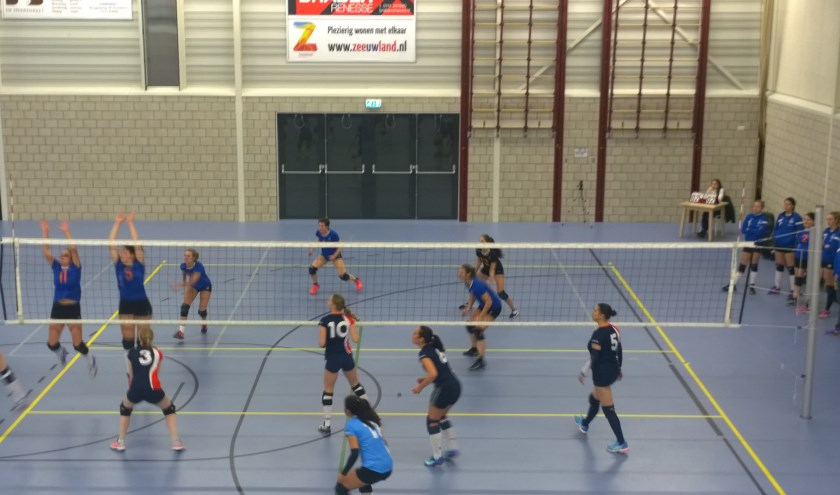 Forza-vrouwen spelen goed volleybal