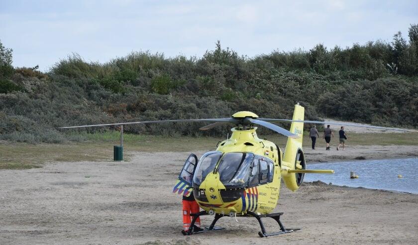 BRUINISSE - Zaterdagmorgen 22 augustus rond 11.20 uur heeft een incident plaatsgevonden aan de Hageweg in Bruinisse. De hulpdiensten werden groots ingezet voor een gewond kind. Het traumateam werd per helikopter ingevlogen om het ambulancepersoneel te ondersteunen. Het kind werd met de traumahelikopter overgebracht naar het ziekenhuis.