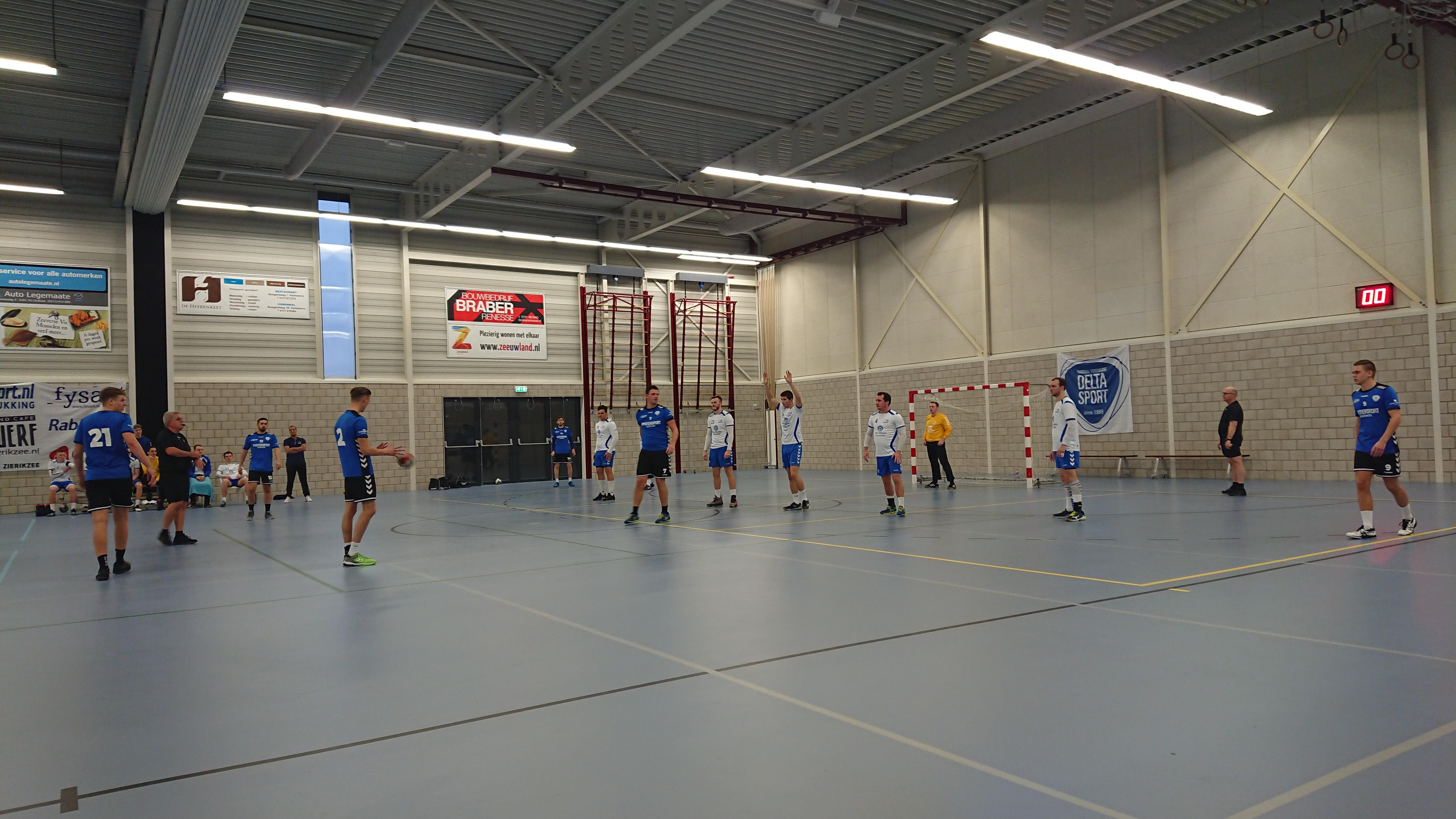 Naaldwijkse handballers 'prikken' Delta Sport/EOC erg lelijk