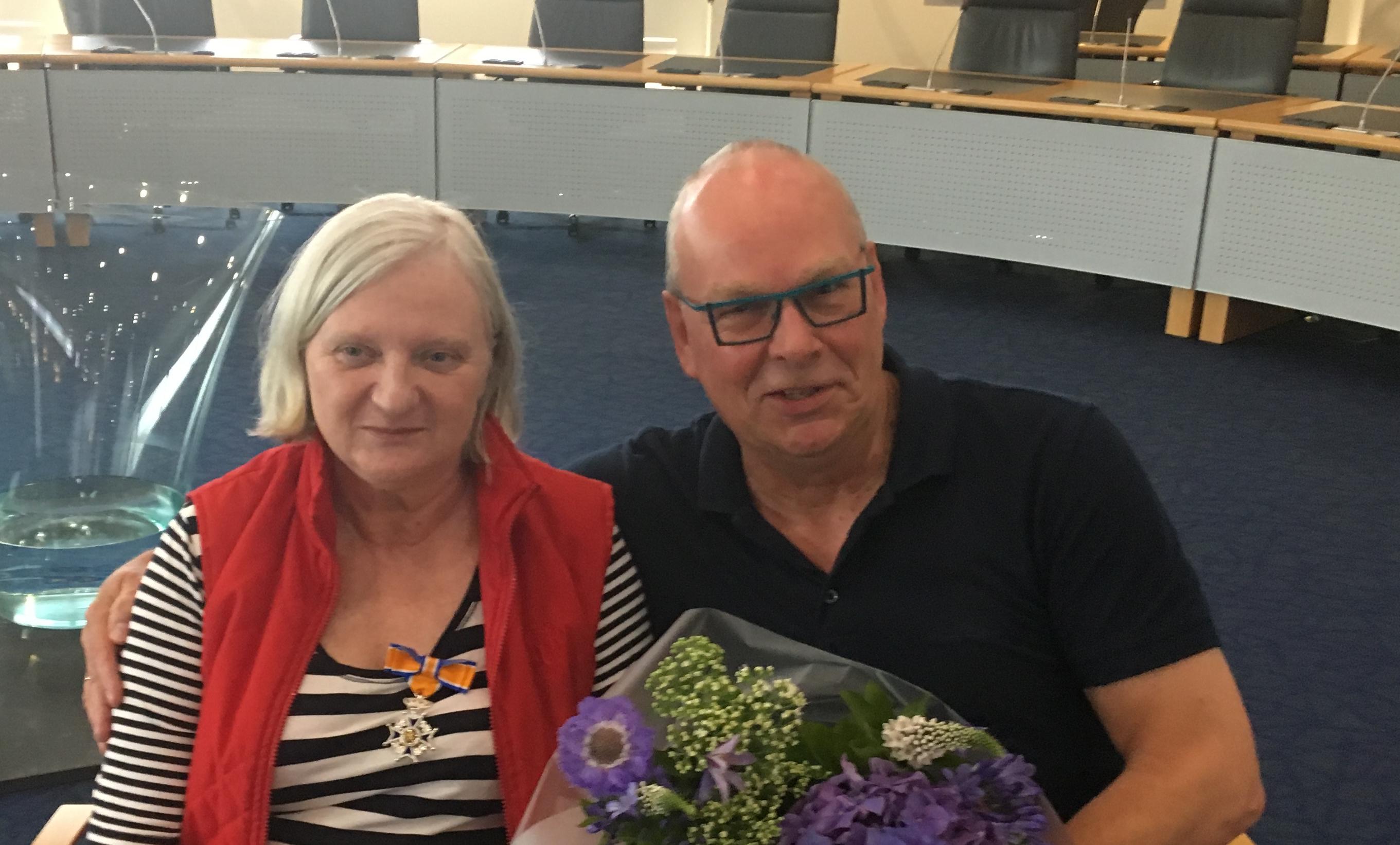Herman en Lianne Holty onderscheiden