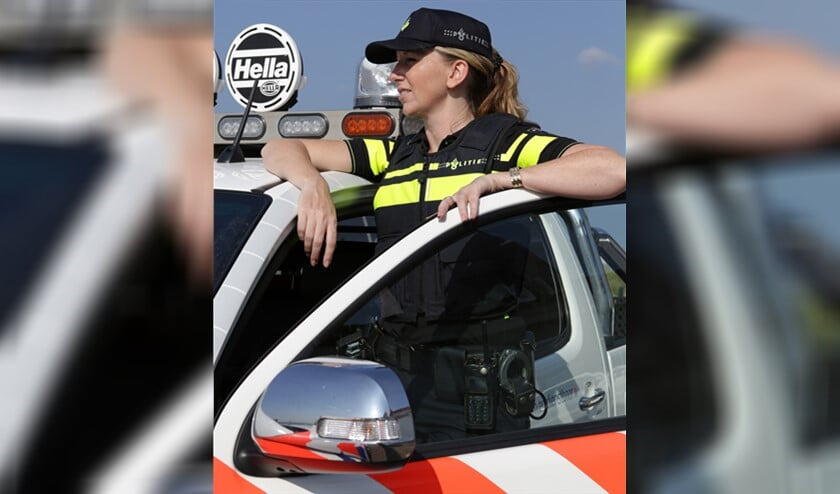 promotie foto's nieuw politie uniform