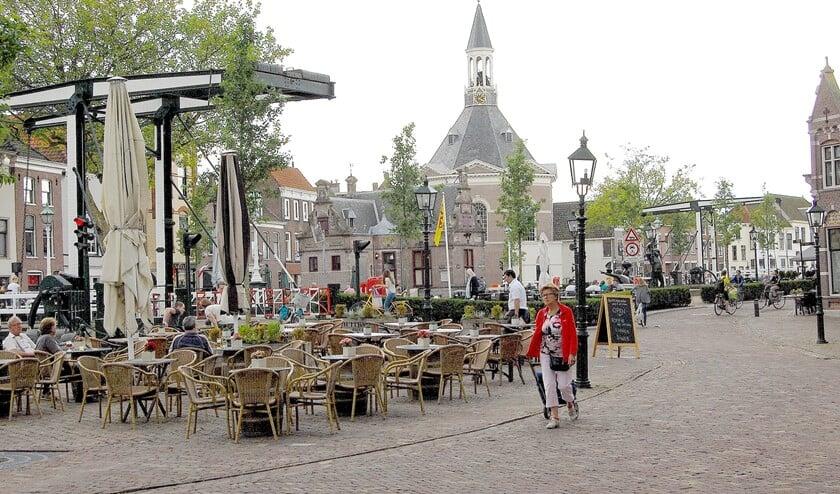 Winkeliers in de hele gemeente kunnen een terras voor hun winkel zetten (archieffoto Dick Janssen).