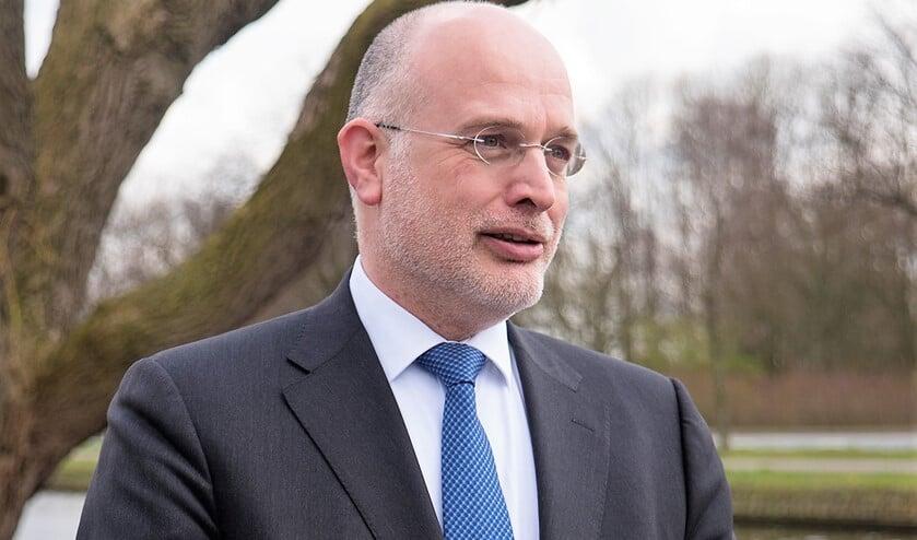 Frank Rozenberg (GBLV) wil dat de 60 miljoen extra opbrengst uit de verkoop van Eneco aandelen wordt uitgekeerd aan de inwoners (archieffoto: Michel Groen).