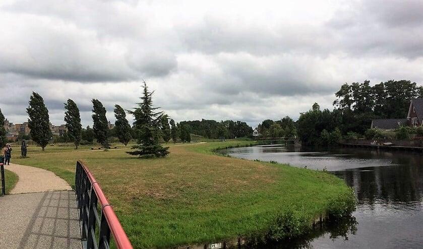 Bewoners, bezoekers met en zonder honden, kinderen en ouderen genieten allemaal van het park, maar er zijn ook kritische geluiden.
