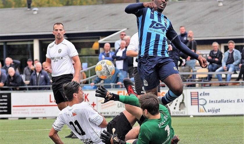 Mostava Frederik (Forum Sport) stuit op de keeper, maar scoorde na rust wel (foto: AW).