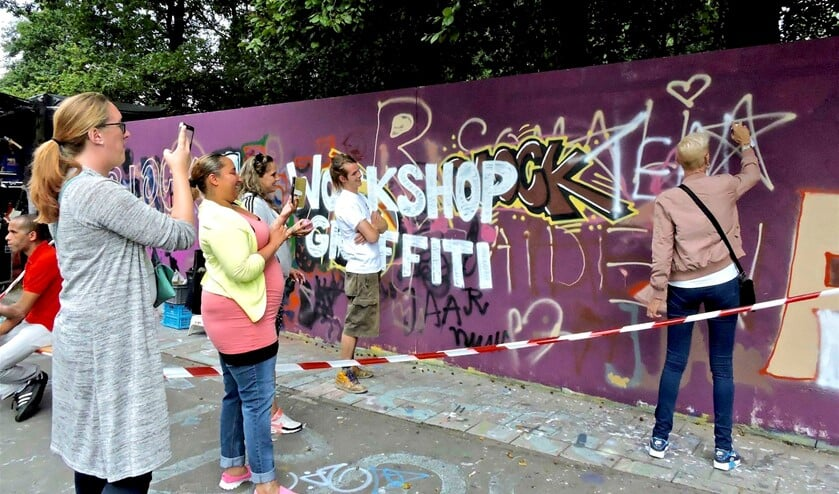 <p>Workshop graffity tijdens de Blockjam (archieffoto).</p>