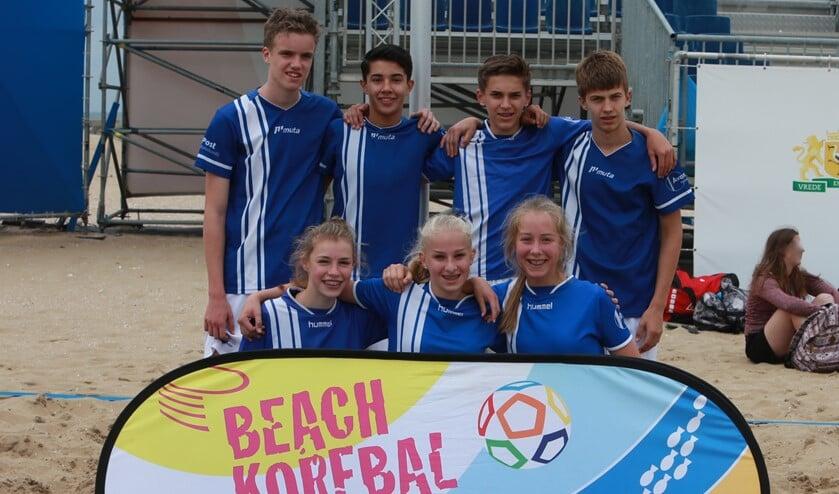 Avanti B1 kroont zich op het Scheveningse strand tot vice-kampioen.
