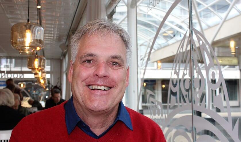 Voor de waterschapsverkiezingen van 20 maart, tegelijk met de Provinciale Statenverkiezing, is Dr. ir. Hans Middendorp uit Voorburg lijsttrekker voor de Algemene Waterschapspartij Delfland (foto/tekst: Dick Janssen).