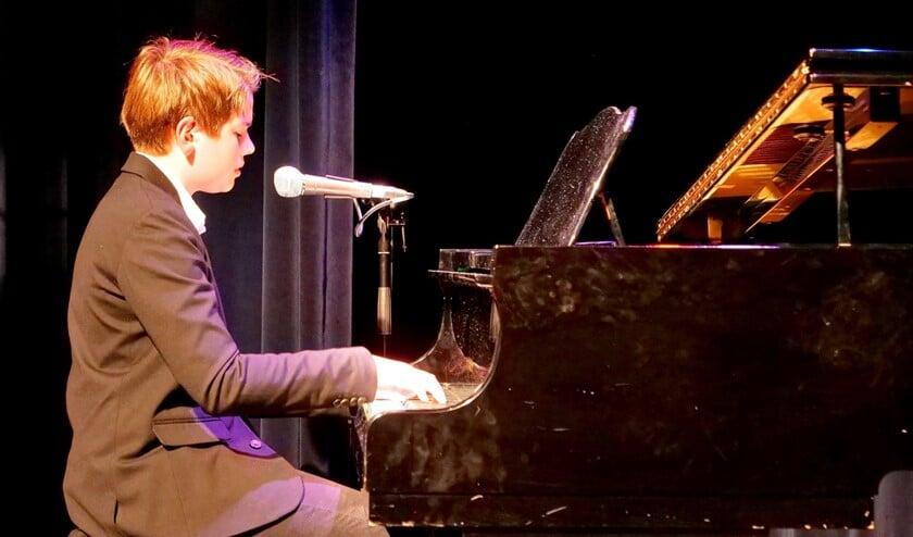 De 13-jarige Maarten Bakker won de Rijswijk Talent Award met het Nederlandstalige nummer 'Laat me niet alleen' (foto: Ot Douwes).