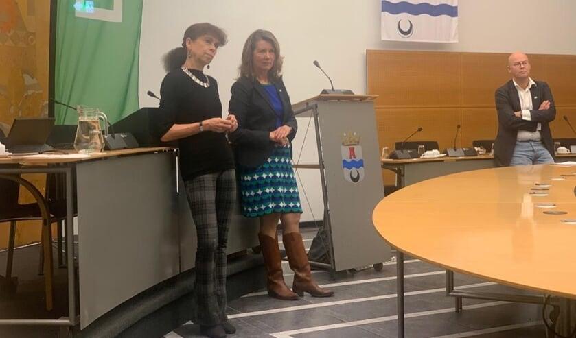 Marjan van Giezen (voorzitter Stichting Duurzaam Leidschendam-Voorburg) en D66 raadslid Charlotte Bos.