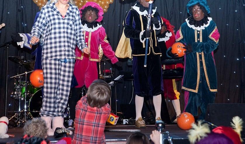 De grote Sinterklaasvoorstelling in het theater in Leidschendam-Voorburg (archieffoto Michel Groen).