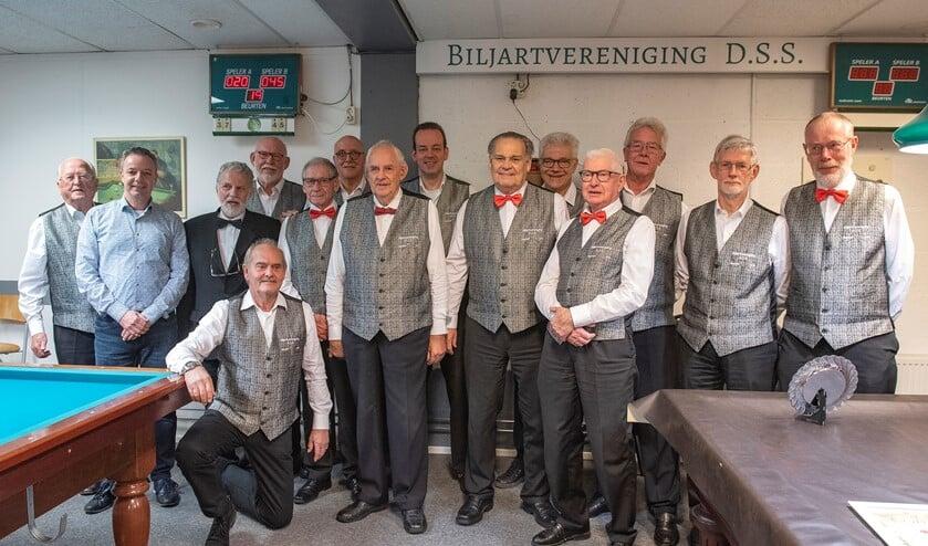 De jubilerende biljartclub DSS (foto: Michel Groen).
