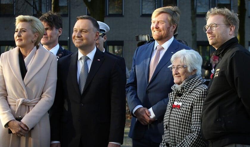 In aanwezigheid van de Poolse President en zijn vrouw bracht Koning Willem Alexander op 29 oktober een bezoek aan deze muurschildering gemaakt door Dennis Elbers (Foto: Ramon Mangold)