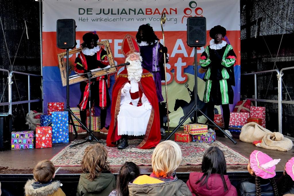 Sinterklaas op Julianabaan (foto: Ot Douwes). OT  DOUWES © Het Krantje