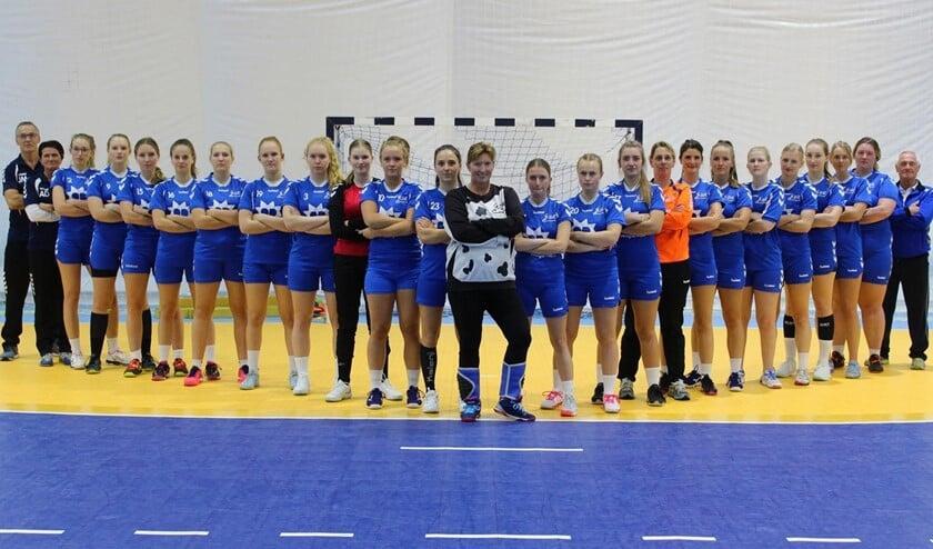 De damesselectie van handbalvereniging EHC (foto: Tessa de Jong).