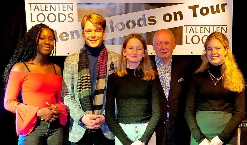 V.l.n.r. Olamide, Jeroen van Rossum, Juliette, Paul de Beer en Elzi Laning (foto: Ot Douwes).