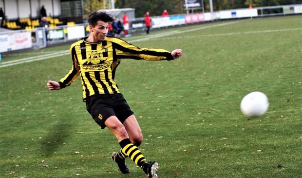 Jacky Adam (Wilhelmus) scoorde 4-2 maar het hielp zijn ploeg niet verder (archieffoto: AW).   © Het Krantje