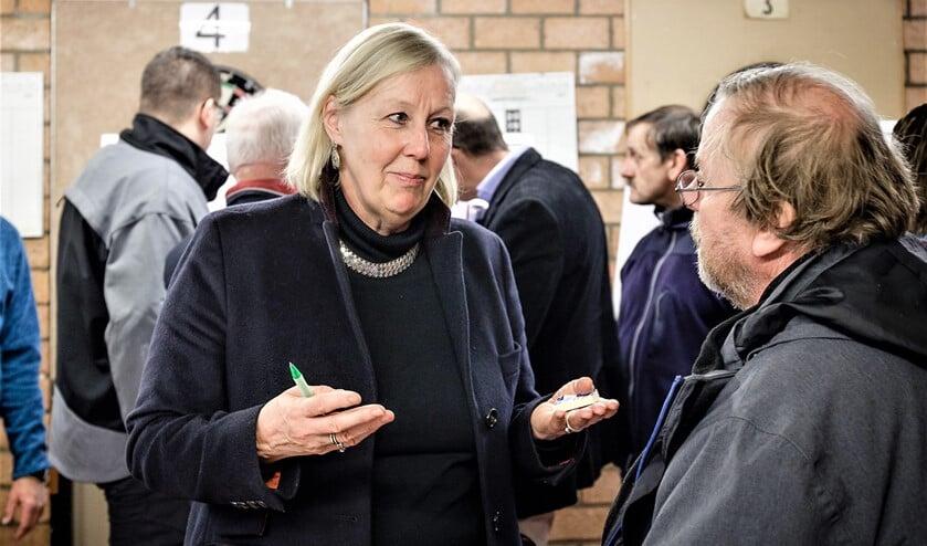 Onlangs was er bij de wijkvereniging Leidschendam-Zuid een inloopavond Energie / Afval (tekst: Inge Koot/foto: Paul Voorham).