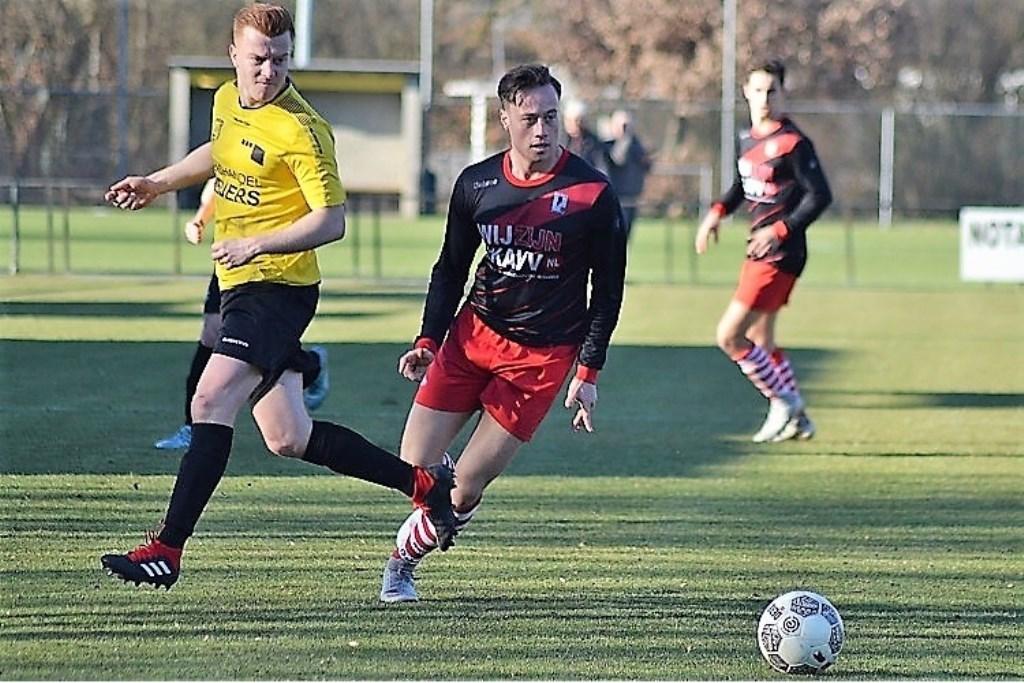 Justin van Rijswijk (RKAVV) speelde het laatste half uur tegen SV Meerssen (foto: Jonas Bloemen).  © Het Krantje