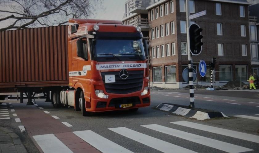 De verkeersveiligheid in Zoetermeer, met in het bijzonder aandacht voor het vrachtverkeer op de Eerste Stationsstraat en de Karel Doormanlaan én de alternatieve ontsluitingsroute Nutricia. Foto: Jan van Es