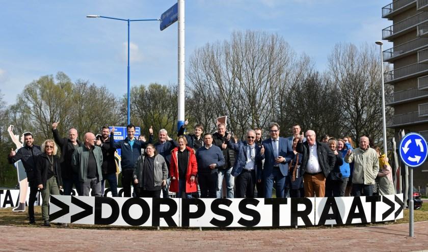 De (vastgoed)ondernemers van de Dorpsstraat gaan de winkelstraat nog sfeervoller maken. Tekst en foto: Renate Mamber