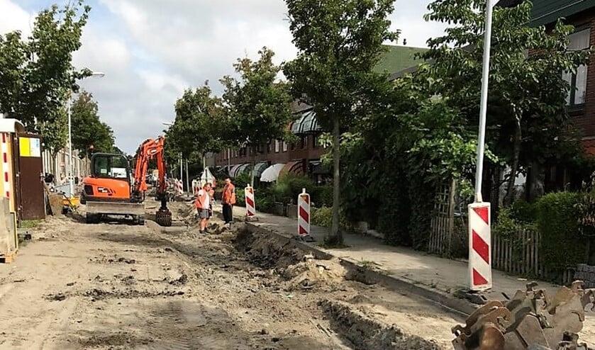 De werkzaamheden in de Broekweg toen deze nog in volle gang waren (foto: twitter Nadine Stemerdink).