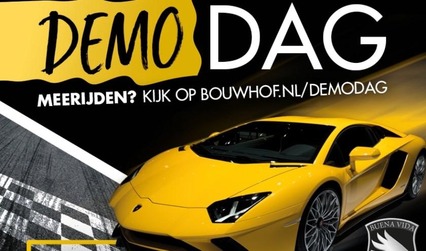 Klanten van Bouwhof maken kans om plaats te nemen in een Lamborghini Aventador S voor een ritje door Zoetermeer.